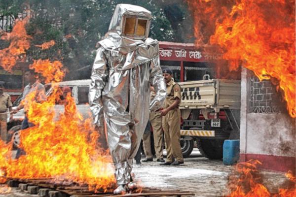 لباس عملیاتی ورود و عبور از آتش